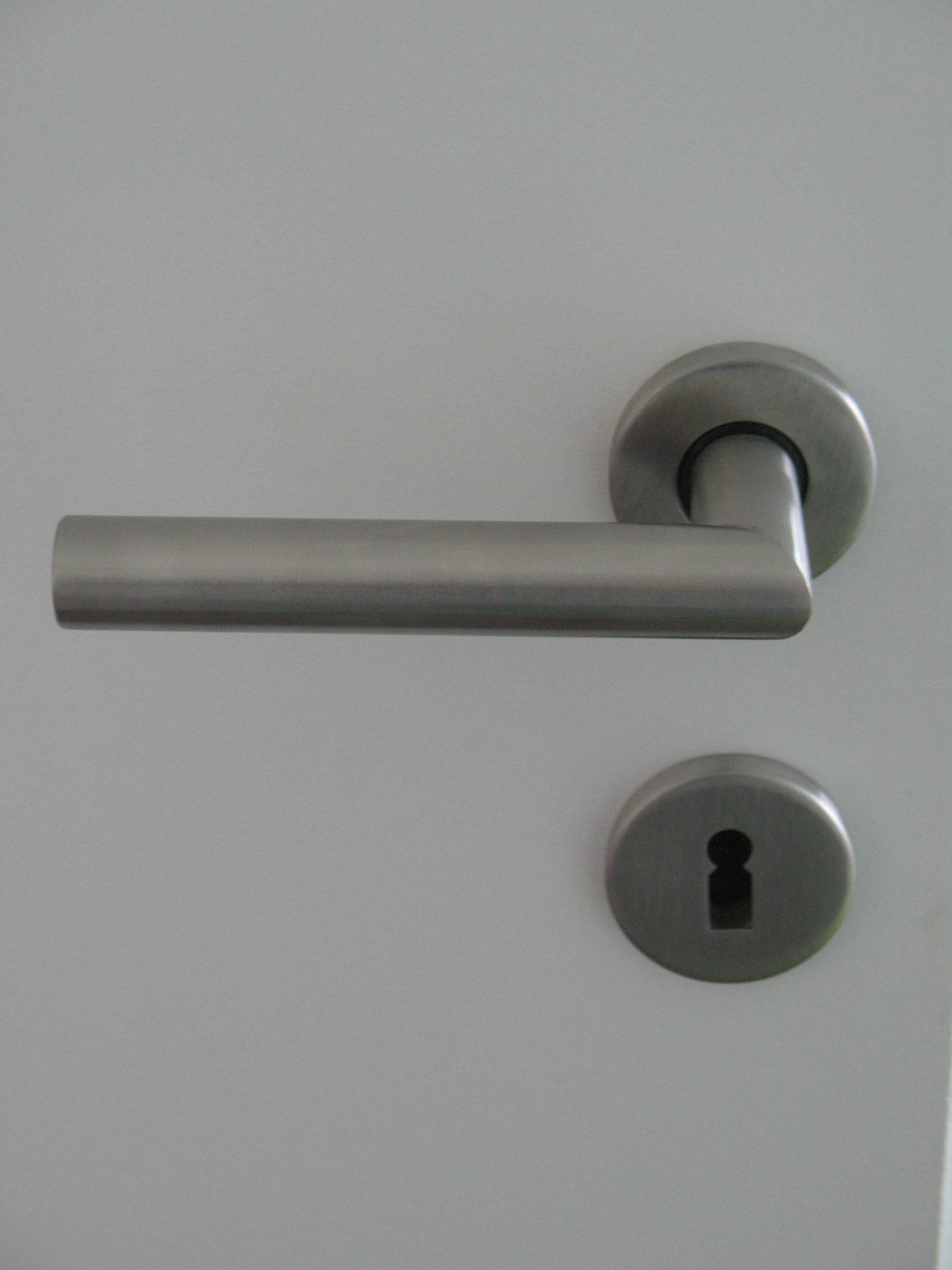 Garniture de portes