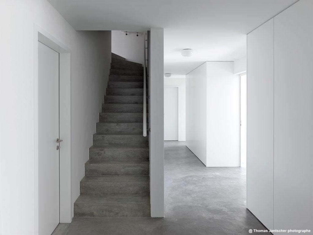 Agencement d'armoires et portes